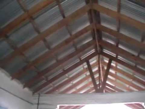 Techo sala de m quinas a dos aguas planchas de zinc youtube for Planchas de madera para paredes