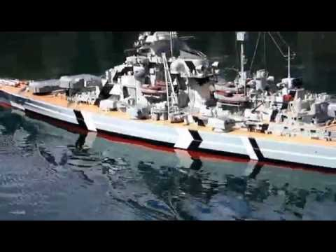 Battle of the Atlantic (Allies vs. Kriegsmarine) Bismarck 1:100, U-boat 1:72, Liberty Ships