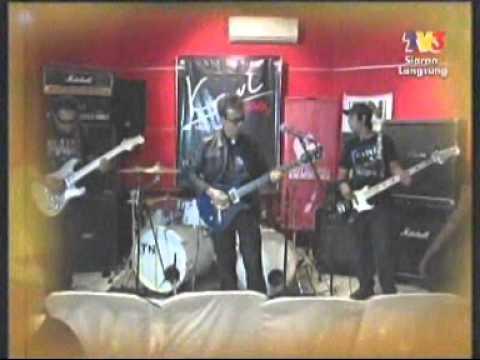 Karl Cromok at Fuhhh, TV3,12/4/2011