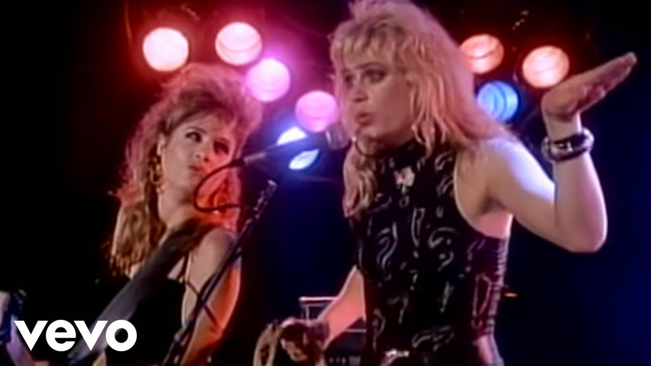 Flashback Video: 'Walk Like an Egyptian' by The Bangles