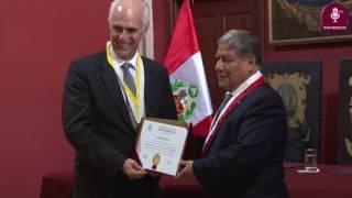 Tema: Medalla de Honor Sanmarquina  para la PUCP