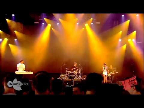 Lowlands 2013 - AlunaGeorge Concert