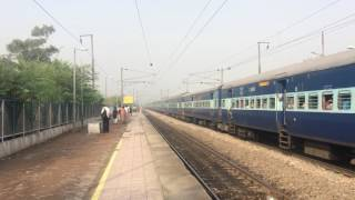Neelanchal Express speeds through Delhi Suburbans in Morning