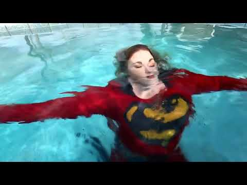 Superwoman VI: Up In The Sky (Sneak Peak): Nuclearwoman Attacks Superwoman