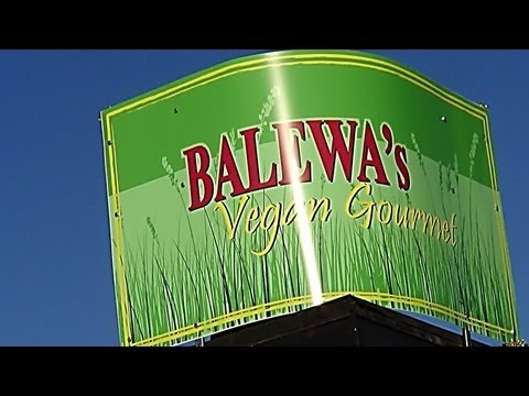 Tour & Review of Balewa's Vegan Gourmet in Memphis, TN