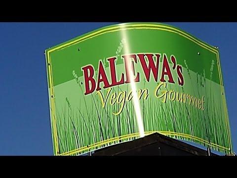 Tour & Review of Balewa's Vegan Gourmet in Memphis, TN