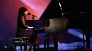 I Dreamed A Dream - Allison Crowe live performance w. lyrics