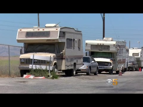 RV Dwellers in East Palo Alto Fight for Parking