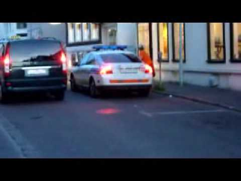 Guy walks away after punching a couple of cops in Iceland