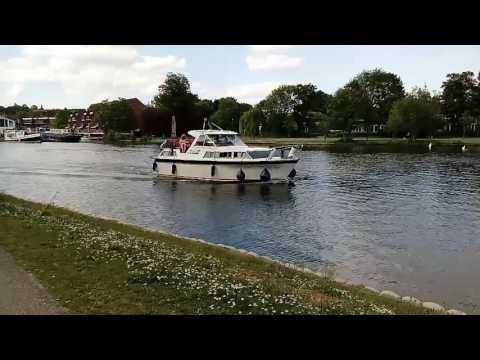 Thames Riverside Walk in Reading (London)