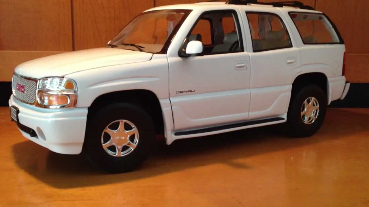 1:18 2001 GMC Yukon Denali by Welly Review - YouTube