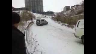Смелый Паджеро / Brave Pajero (Владивосток, гололёд) [полная версия, без цензуры]