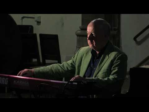 Lawrence Ball in concert - Cosmos part 7 for synthesizer