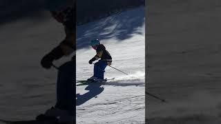 Payton skiing black