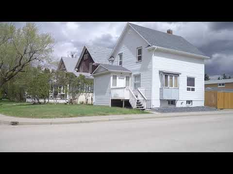 Life In Moose Jaw City. Saskatchewan Province In Canada. Tour Of Home/Houses/Property.