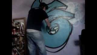 HOW TO SPRAY PAINT GRAFFITI