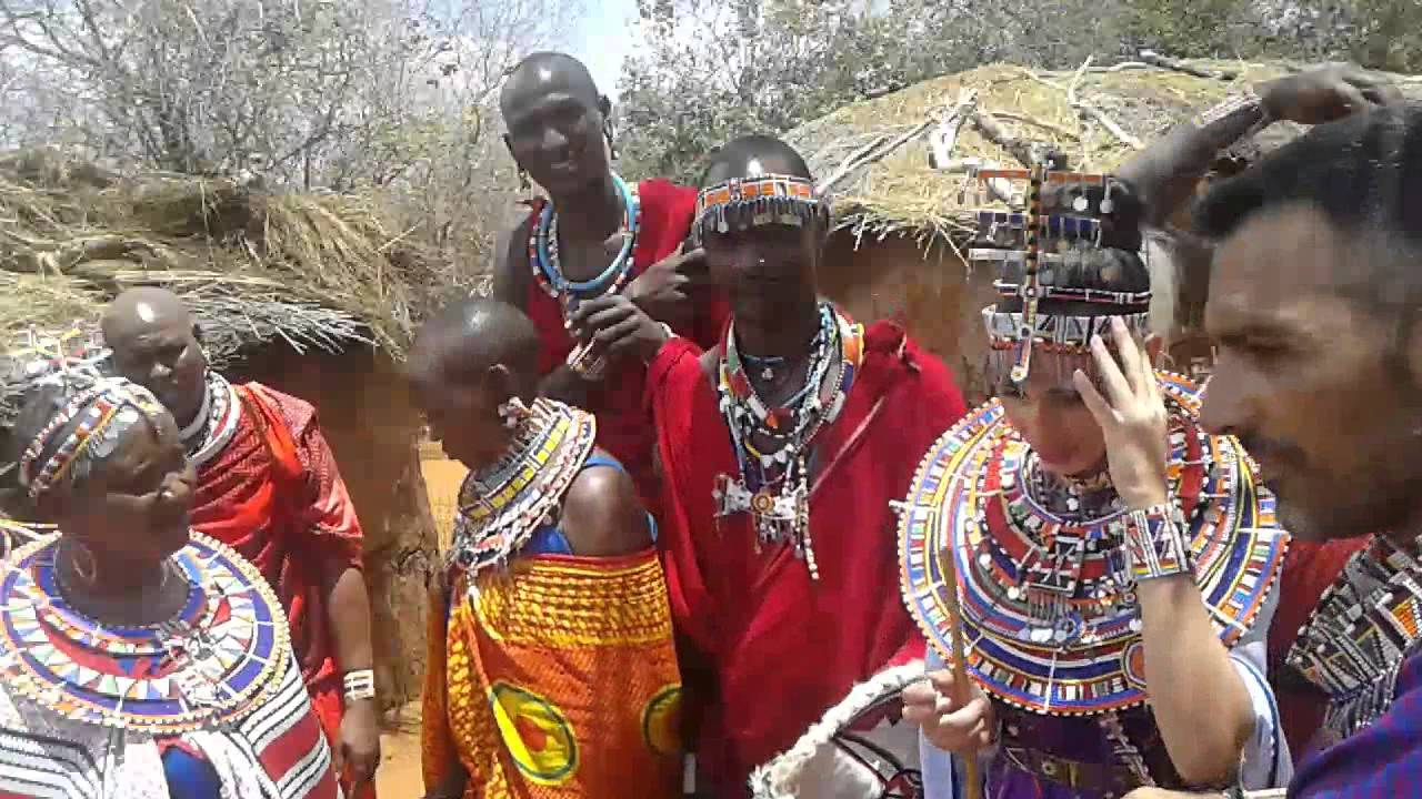Matrimonio In Kenia : Cerimonia masai tra due italiani youtube