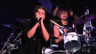 5 Seconds Of Summer - Disconnected live from The New Broken Scene