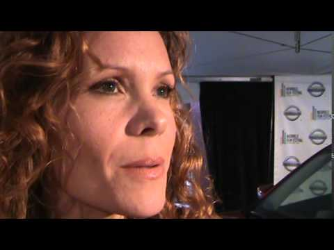 robyn lively nudography