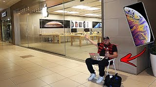 Video I WAS THE FIRST IN LINE FOR THE APPLE LAUNCH OF THE IPHONE XS MAX | YOU WONT BELIEVE WHAT HAPPENED!! download MP3, 3GP, MP4, WEBM, AVI, FLV Oktober 2018