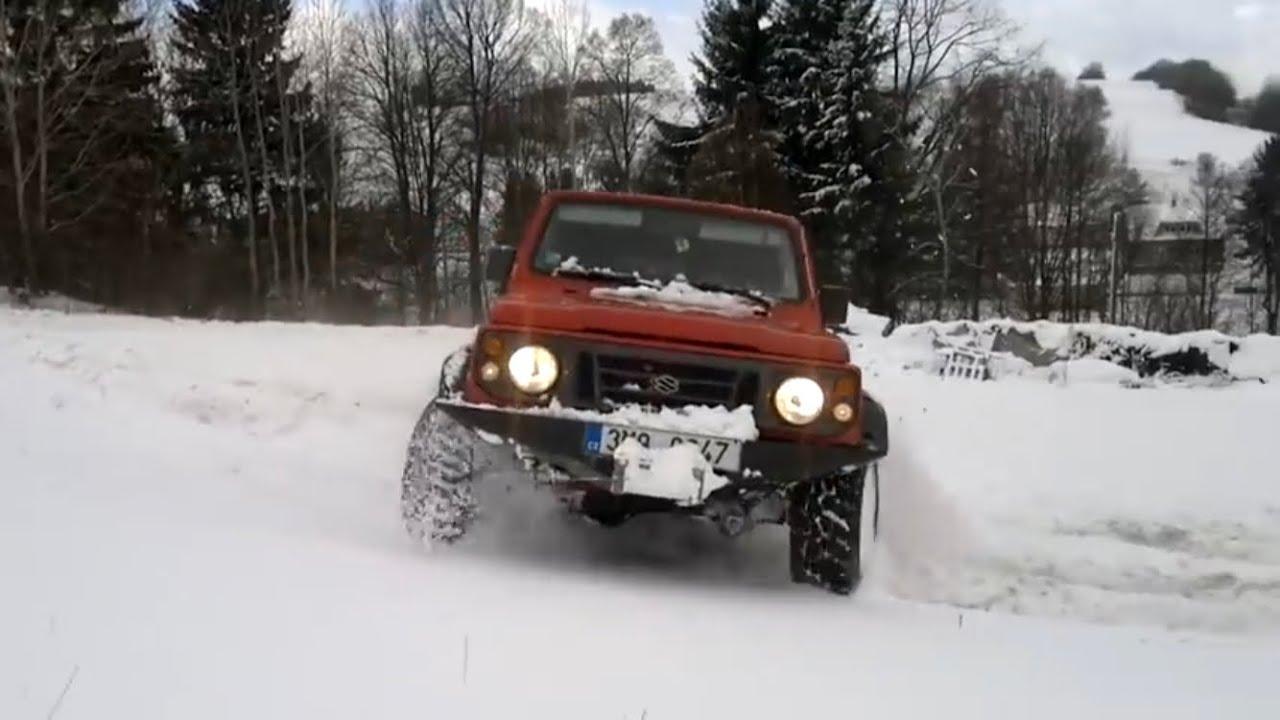 Suzuki Samurai 4x4 In Snow