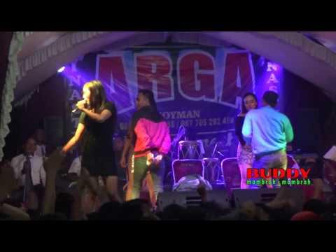 Dangdut Arga 2017 - YANK Yuni Ayunda LIVE Desa Tambakreja CILACAP