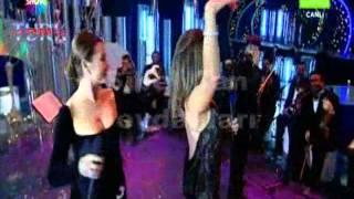 Sibel Can Hülya Avşar Dans Show Nostalji