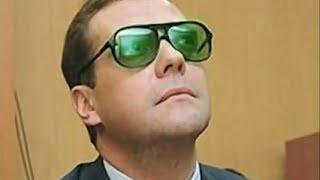 Вор в законе предлагает Медведеву пойти в побег. Прикол про Медведева