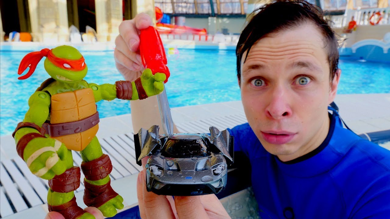 Черепашки Ниндзя в аквапарке - Машинка для Микеланджело – Игры для детей.