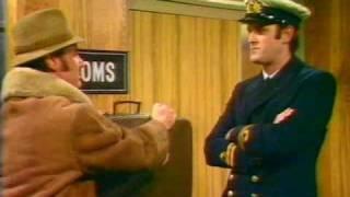 Monty Python FC 5. - A csempész (The smuggler)