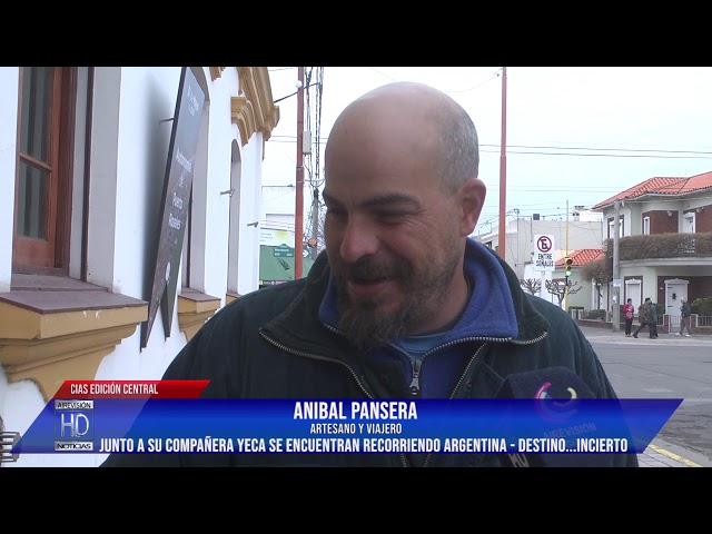 Anibal y Yeca recorren la Argentina en bicicleta