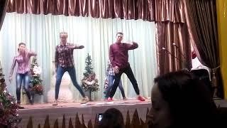 Флэшмоб 10 класс Танец на Новый год