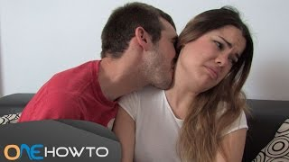 Download Video How to kiss a girl on the neck - Step by step MP3 3GP MP4
