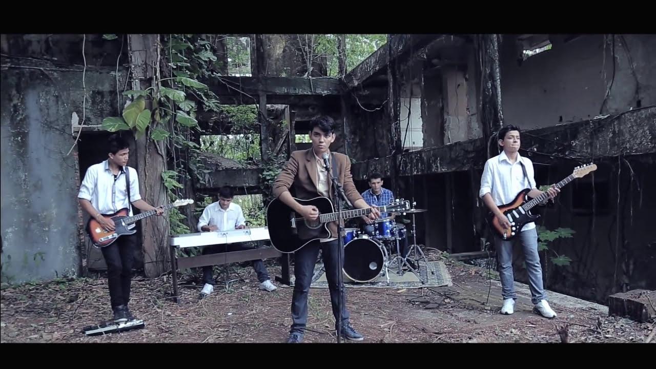 PAROLLES Clip- Felipe Andrew- Suficiente (Pop Rock Gospel)
