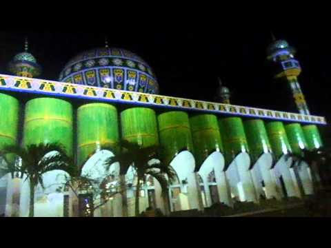 kemegahan masjid pondok pesantren sunan drajat