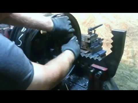 prostowanie felgi stalowej po kolizji z krawężnikiem