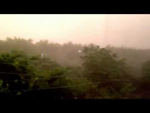 Mad ras wind storm in New Delhi
