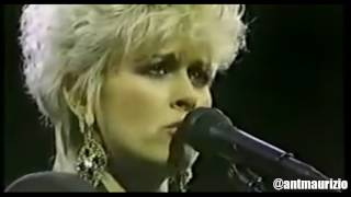 Lorrie Morgan's EPIC Keith Whitley Tribute (Must See!)