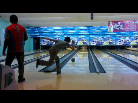 [RMIT Vietnam Bowling] Two-handed bowl made by Mr.Phúc