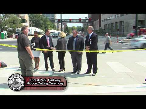 Forest Park Parkway Ribbon cutting ceremony