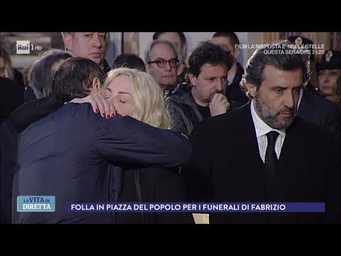 I Funerali L Ultimo Saluto A Fabrizio Frizzi La Vita In