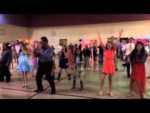 DJ doing a father daughter dance - 14.9KB