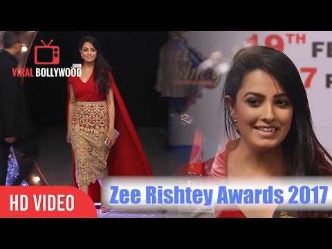 Anita Hassanandani At Zee Rishtey Awards 2017   Zee TV