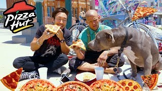PIZZA MUKBANG with a HOMELESS STREET ARTIST and his dog!