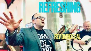 Refreshing by Dario Leal