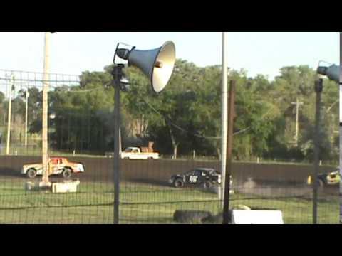 Lincoln County Raceway heat race 2014