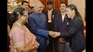 President Kovind meets Indian medal winners of Commonwealth Games 2018 at Rashtrapati Bhavan