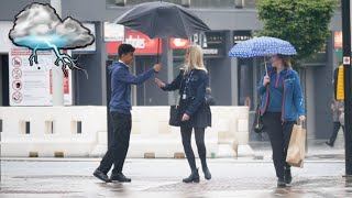 Sharing An Umbrella Experiment In UK چەتر دان بەخەڵك بارانە