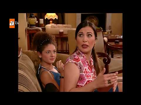 a15a447cc17 Selena a Taylor ako sexi dračice! Ale dekolt Goodovej neprekonal nik ...
