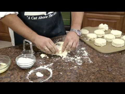homemade-biscuits-and-gravy-|-radacutlery.com